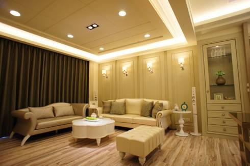 美式妍麗:  客廳 by 棠豐室內裝修設計工程有限公司