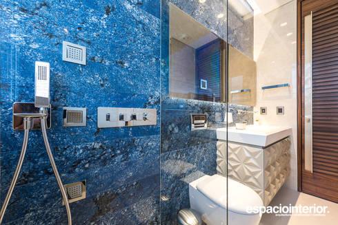 Baño Teatro: Baños de estilo ecléctico por EspacioInterior
