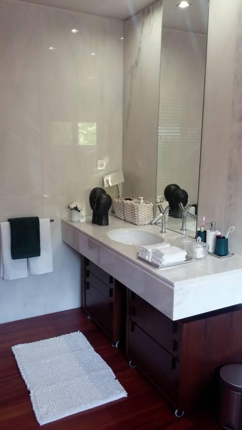 wc : Casas de banho modernas por ANA LEITE - INTERIOR DESIGN STUDIO