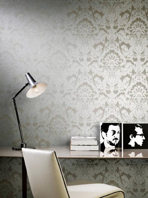 Pure Impulse : Paredes y pisos de estilo clásico por BIANELLA