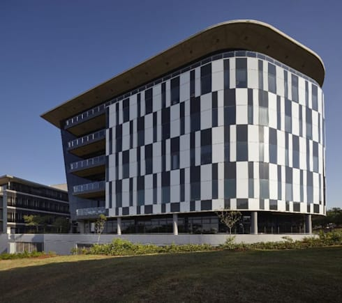 Rewardsco Head Office:  Office buildings by Elphick Proome Architects