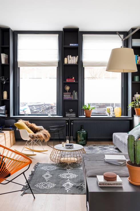 Woonkamer:  Woonkamer door FORM MAKERS interior - concept - design