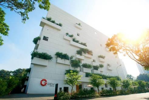GEM CENTER:  Nhà hàng by TA LANDSCAPE ARCHITECTURE