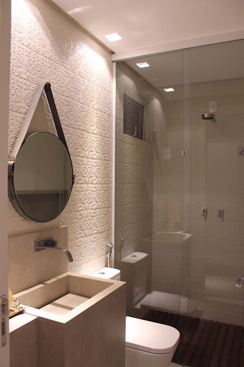 Baños de estilo moderno por Opus Arquitetura e Urbanismo