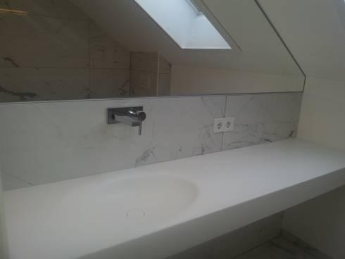 Corian Waschtischplatte, Tiefgezogenes Ovales Becken, Mit Weichem
