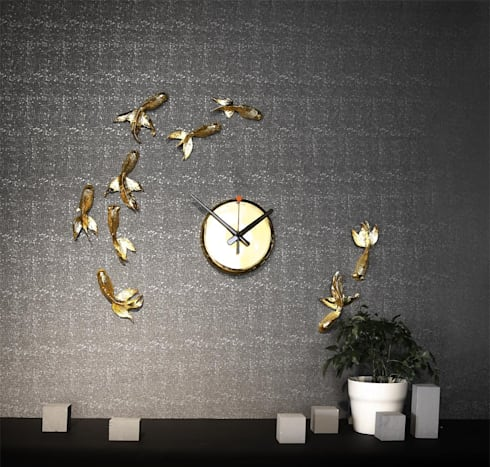 Haoshi Goldfish Wall Clock: modern Living room by Just For Clocks