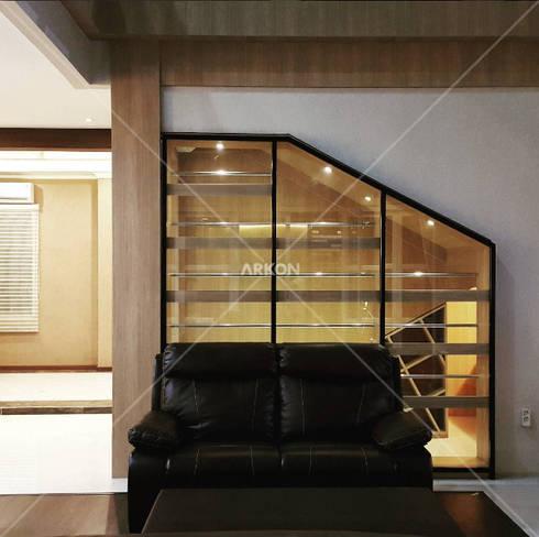 Emerlad Mansion, Lippo Cikarang Bekasi: modern Living room by ARKON