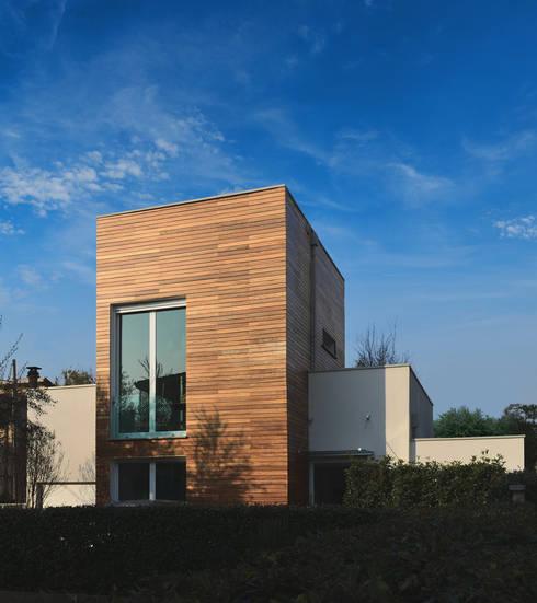 Casa ADP, ristrutturazione a padova: Case in stile in stile Moderno di depaolidefranceschibaldan architetti