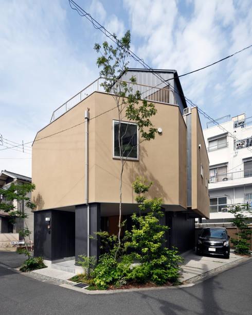 山坂の家: 樋口章建築アトリエが手掛けた省エネ住宅です。