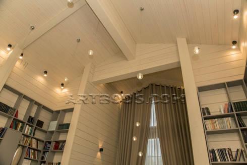 Потолок над лестницей: Коридор и прихожая в . Автор – Творческая мастерская АRTBOOS