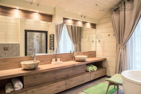 Шале на реке Истра: Ванные комнаты в . Автор – Творческая мастерская АRTBOOS