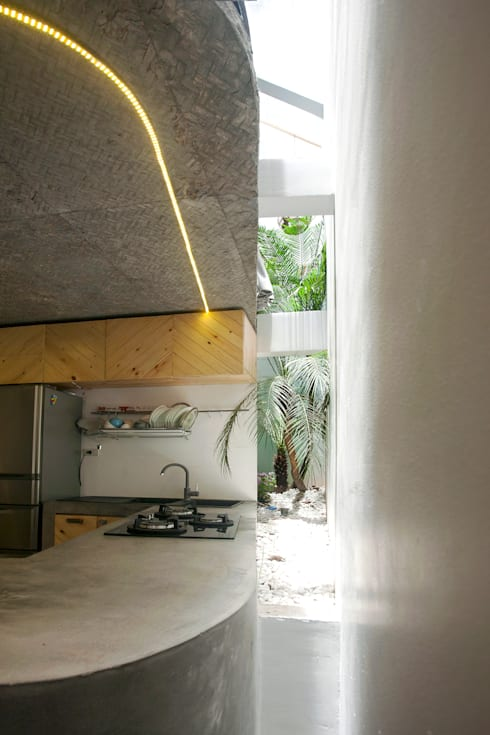 Kitchen by NGHIA-ARCHITECT