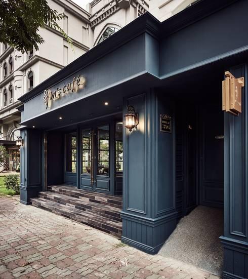 In's Cafe:  玄關、走廊與階梯 by 理絲室內設計有限公司 Ris Interior Design Co., Ltd.