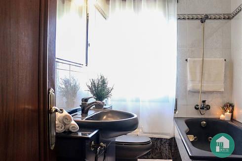 Baño después de Home Staging:  de estilo  por Fityourhouse AD & Home Staging