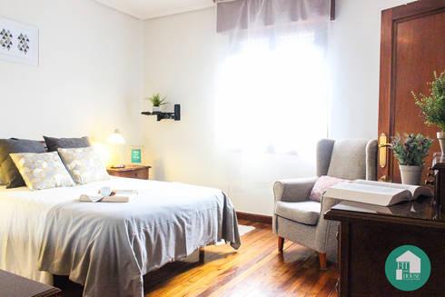 Dormitorio después de aplicar el Home Staging. Vista general:  de estilo  por Fityourhouse AD & Home Staging