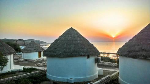Bhunga Cottage:  Hotels by MRJ ASSOCIATES