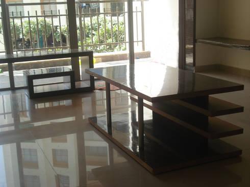 A weekend retreat appartment: modern Living room by MRJ ASSOCIATES