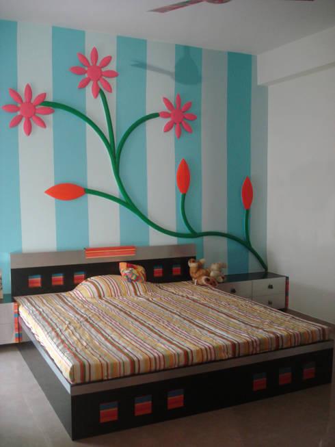 A weekend retreat appartment: modern Bedroom by MRJ ASSOCIATES