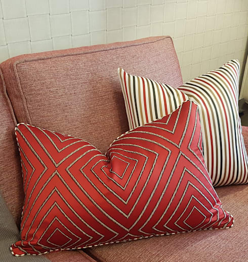 Red… ..the colour of Love: modern Living room by Sophistique Interiors