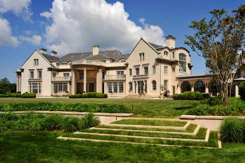 Villa Maria:  Villas by andretchelistcheffarchitects
