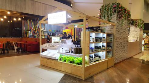 Booth Ecozest – Kemang Village:  Ruang Komersial by Multiline Design