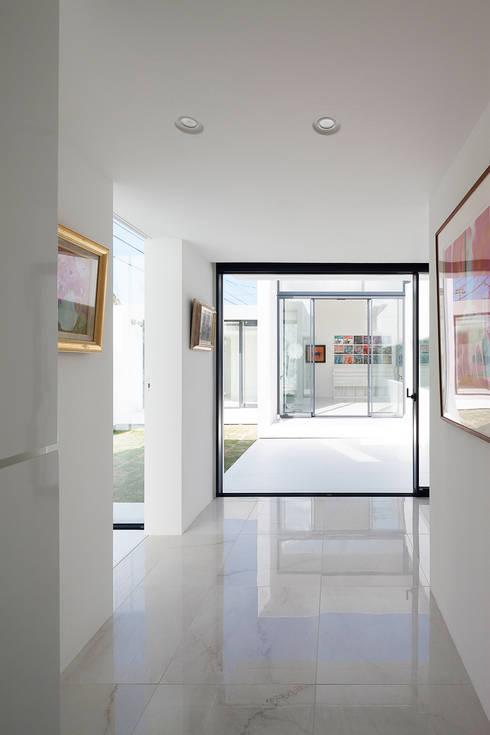 エントランス・ギャラリー: F.A.D.S.が手掛けた廊下 & 玄関です。