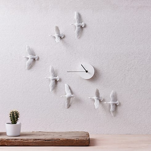 Haoshi Migrantbird X Clock - V Form: modern Living room by Just For Clocks