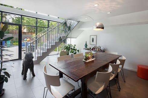 Carroll Gardens Townhouse: modern Dining room by andretchelistcheffarchitects