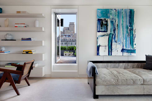 Upper East Side Apartment: modern Living room by andretchelistcheffarchitects