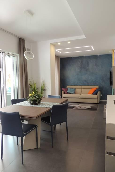 Come disporre i divani in salotto tutte le soluzioni for Divano incassato