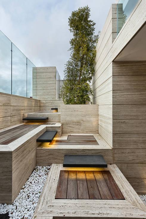庭院 by Arch. Antonella Laruccia