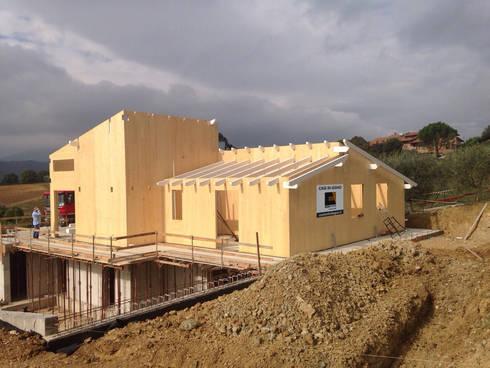 Casa in legno perugia di costantini case in legno homify for Case in legno umbria
