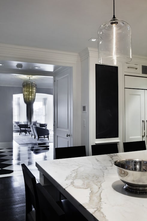 Fifth Avenue Apartment: modern Kitchen by andretchelistcheffarchitects