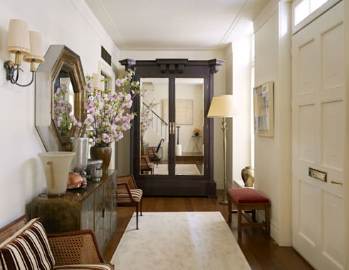 West Village Townhouse:  Corridor & hallway by andretchelistcheffarchitects