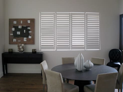 Plantation Shutters - Dining Rooms: classic Dining room by TWO Australia