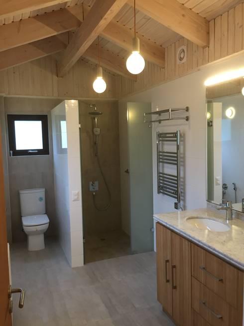 Ванные комнаты в . Автор – ARCOP Arquitectura & Construcción