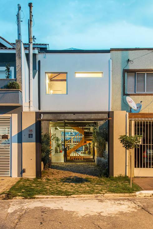 房子 by ODVO Arquitetura e Urbanismo