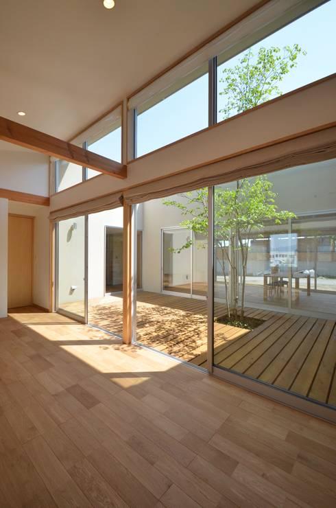 こども室: TEKTON | テクトン建築設計事務所が手掛けた子供部屋です。