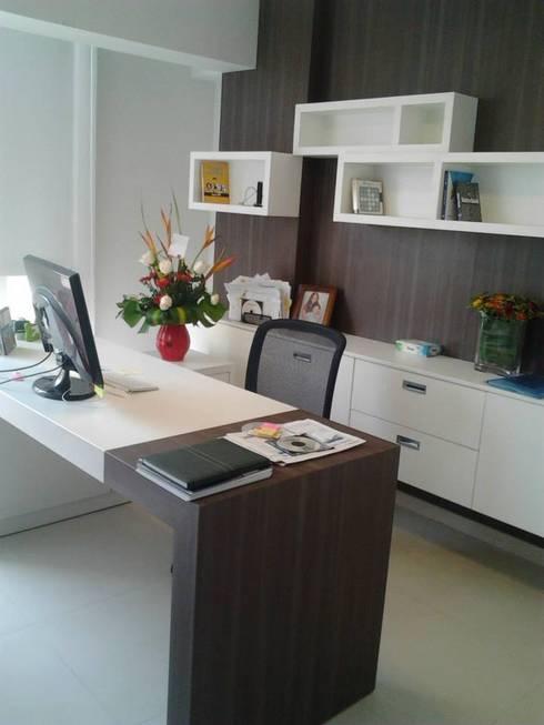 Remodelación de oficina: Oficinas de estilo moderno por J.H. Novoart E.I.R.L.