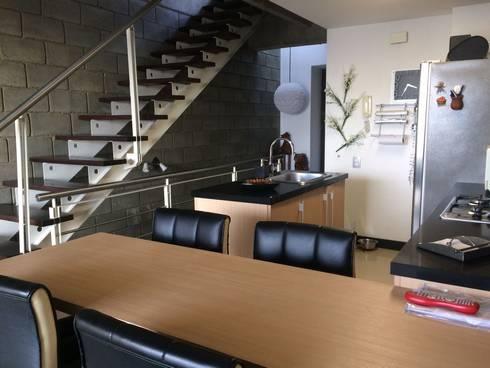 Espacios y diseño del Apartamento. Cocina abierta. : Cocinas de estilo moderno por CH Proyectos Inmobiliarios