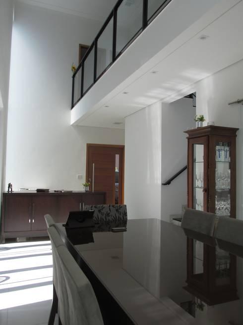 Salas de estilo  por João Paulo Gomes Arquitetura