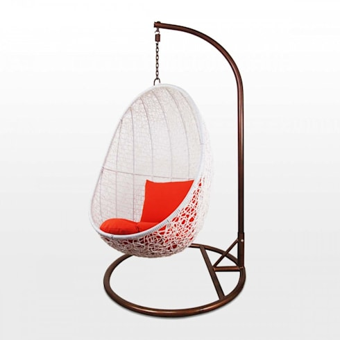 Balcony Chair with Orange Cushions:  Balconies, verandas & terraces  by Arena Living