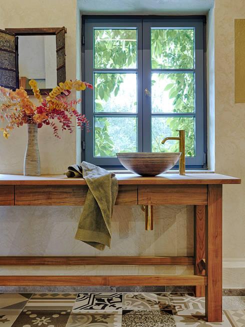 Waschplatz Mit Blick Nach Draußen: Mediterrane Badezimmer Von Dipl. Ing.  Anne