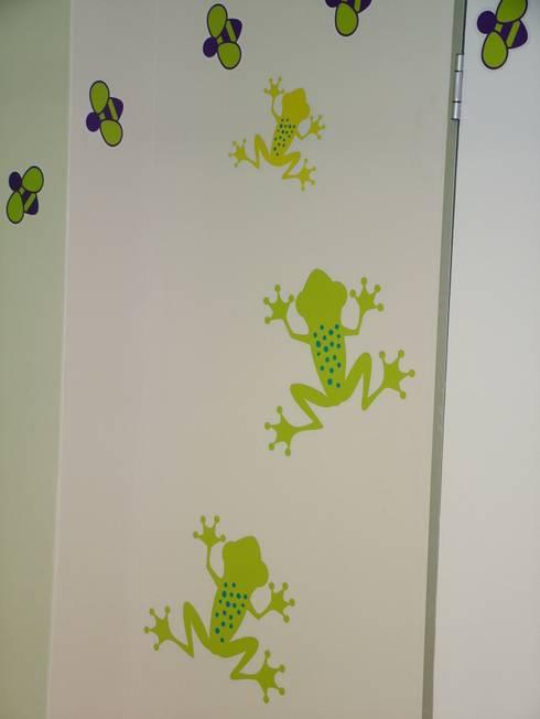 Entabeni Paeds ward, Life healthcare, Durban: modern Nursery/kid's room by BHD Interiors