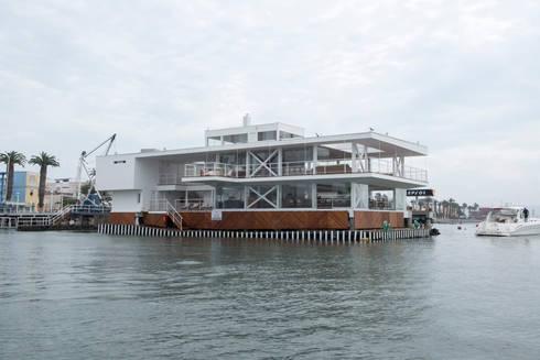 Vista del proyecto / Project view: Yates y jets de estilo moderno por Lores STUDIO. arquitectos