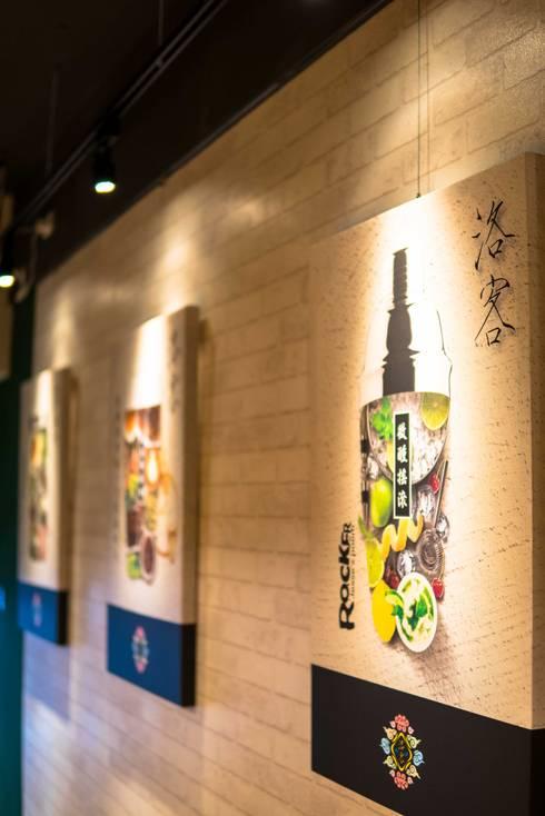 古早日式設計氛圍_新莊茶飲:  餐廳 by 春瑾室內裝修有限公司