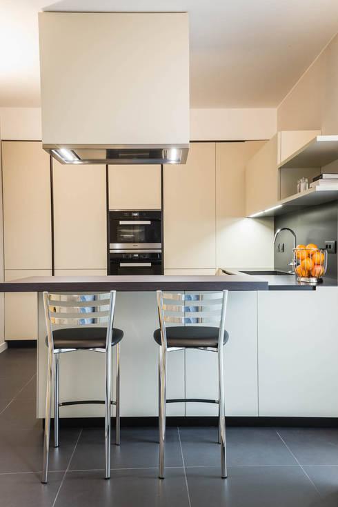 Carbon appartamento in centro storico di adidesign for Metraggio di appartamento studio