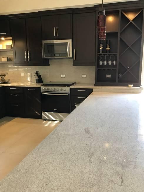 Cocina de barra extendida de caoba muebles homify cocina de barra extendida altavistaventures Choice Image