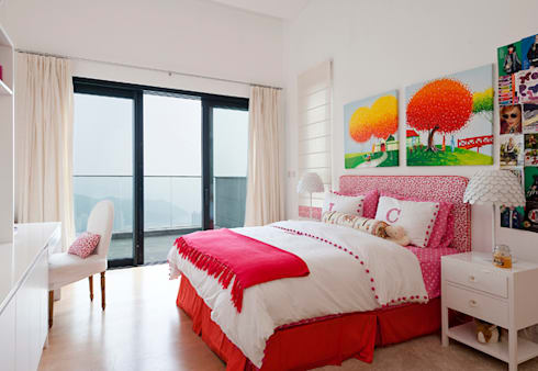 Daughter's Bedroom: modern Bedroom by Nicole Cromwell Interior Design