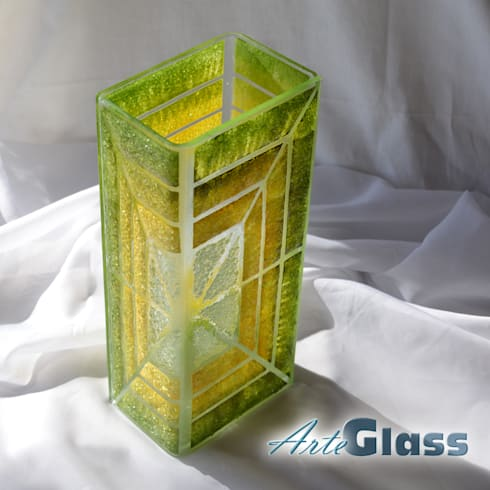 Vase green yellow 30 cm square: modern Living room by ArteGlass